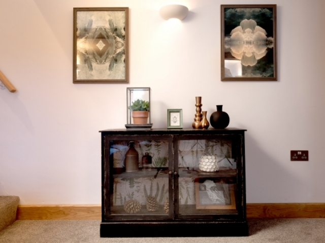 Lounge cabinet
