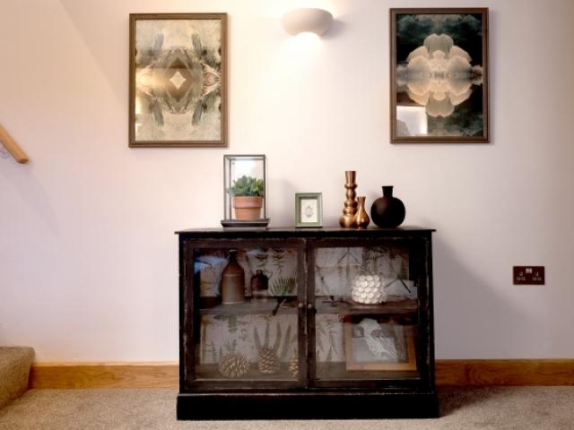 Lounge cabinet